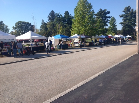 plenty of space at this farmers market